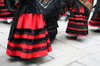 Segovia_dancing_ladies_3